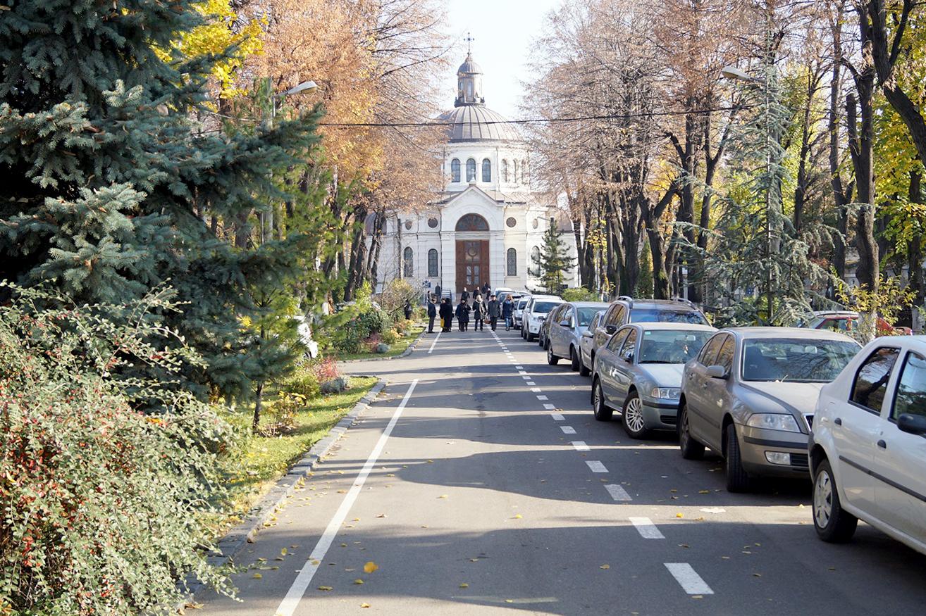 efekt-kontrastu-bukareszt-cmentarz